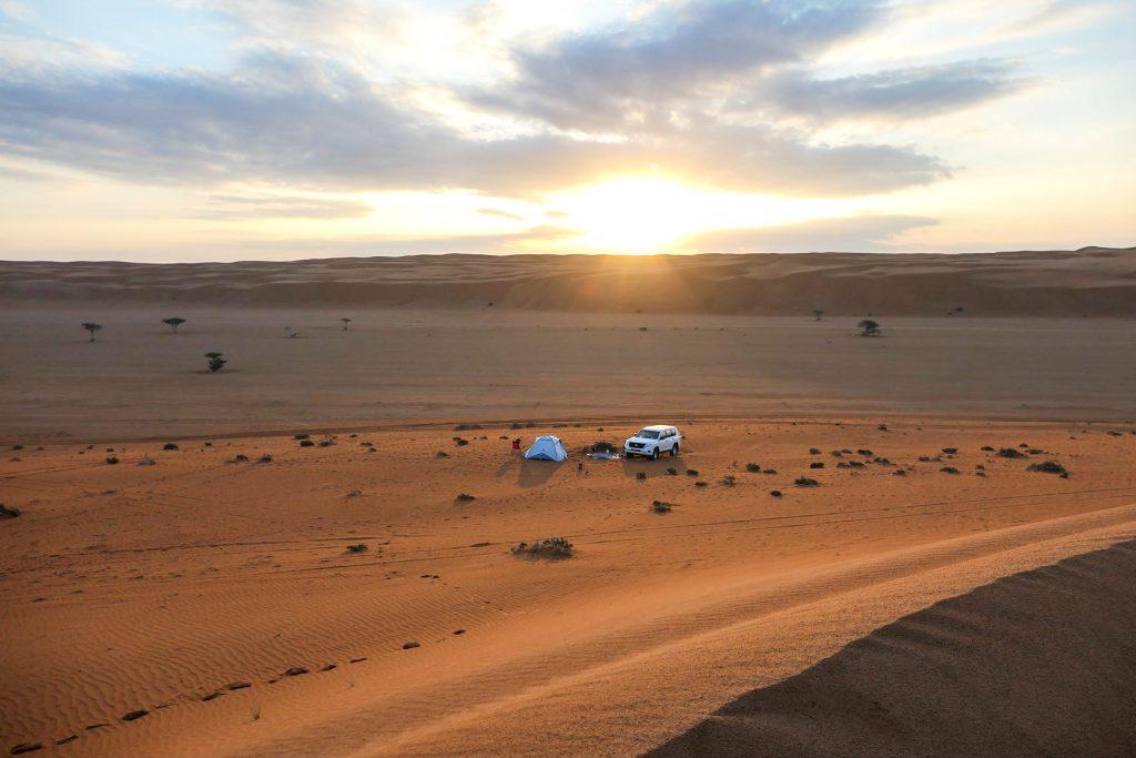 Reisroute Oman - Wahiba Sands bij zonsondergang