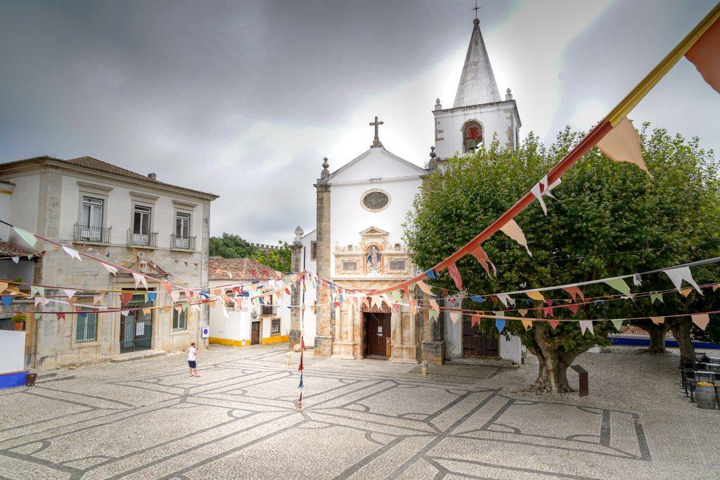 Is Obidos de Moeite Waard? Kerk in Obidos
