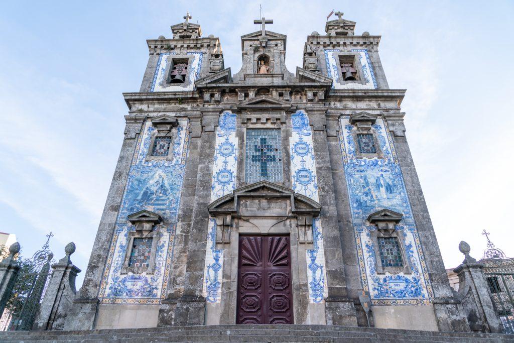 Kerk met azulejos, Porto, Portugal